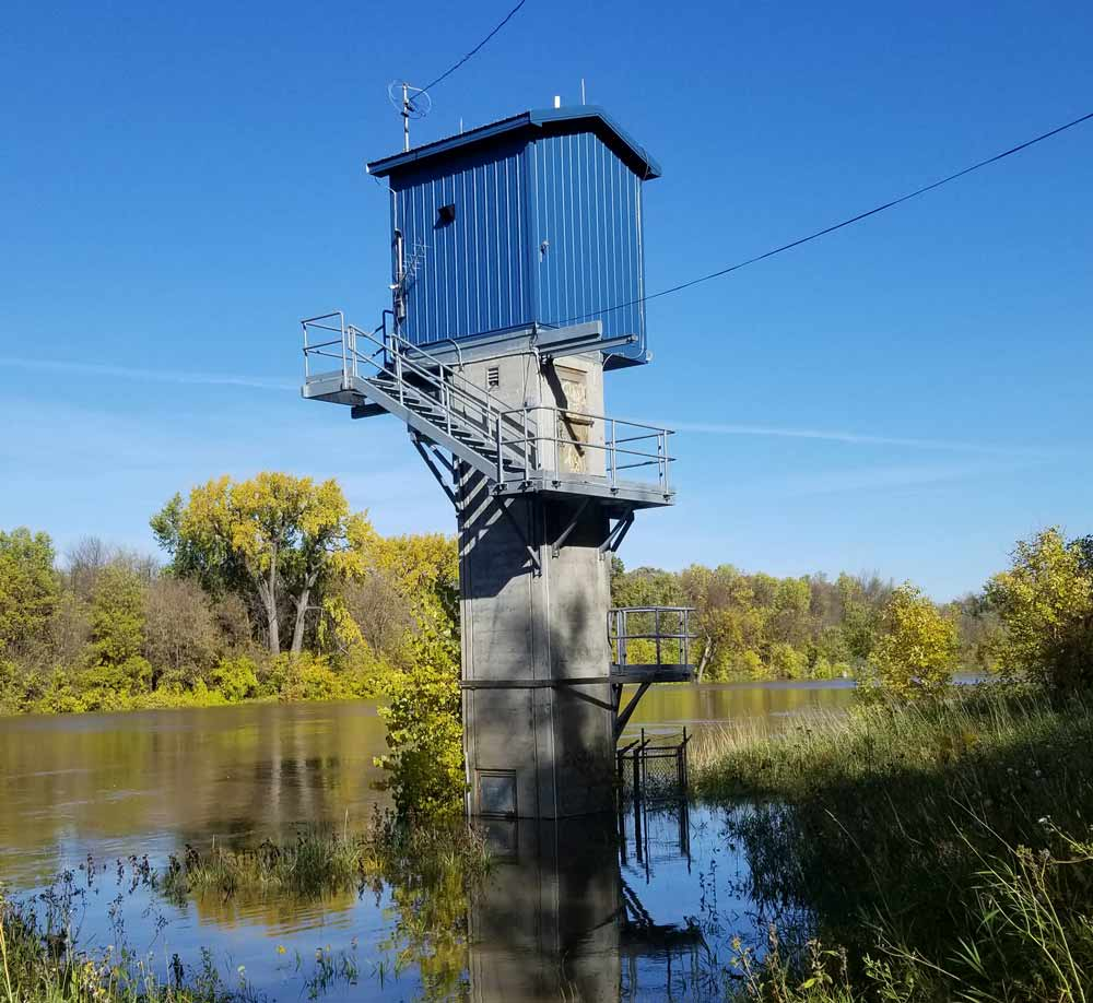The Emerson station is used to monitor Red River water quality and flow at the Canada-US border. Credit: Allison Waedt, Environment and Climate Change Canada