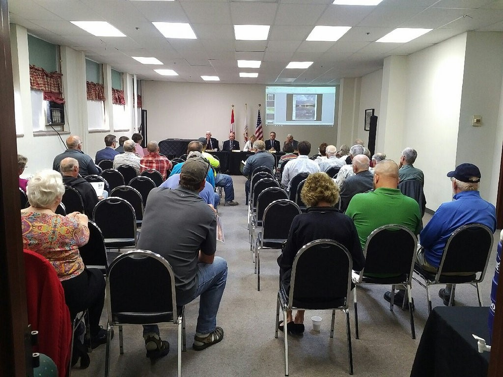 Dozens of people attended a public meeting about proposed changes to the Rainy and Namakan Lakes rule curves in International Falls, Minnesota, on Aug. 17. Credit: IJC