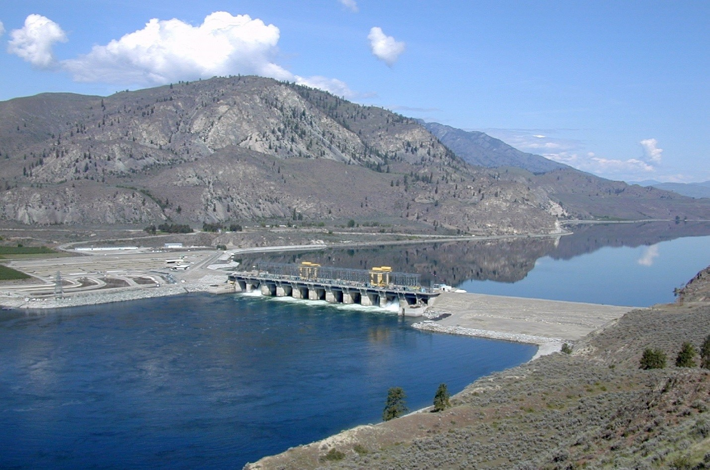 The Wells Dam on the Columbia River is one of the dams sockeye salmon must pass to reach the Okanagan River system upstream. Credit: Douglas PUD