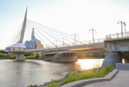 Picture of bridge in Winnipeg, Manitoba